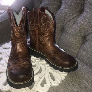 Ariat Fat Baby Western Short Boots Woman's 7.5